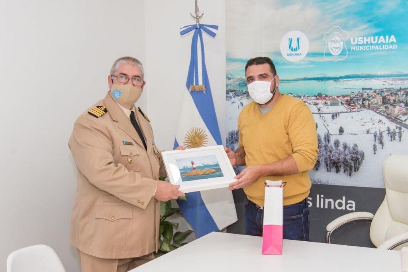 Vuoto recibió al nuevo jefe de la Prefectura Naval Argentina