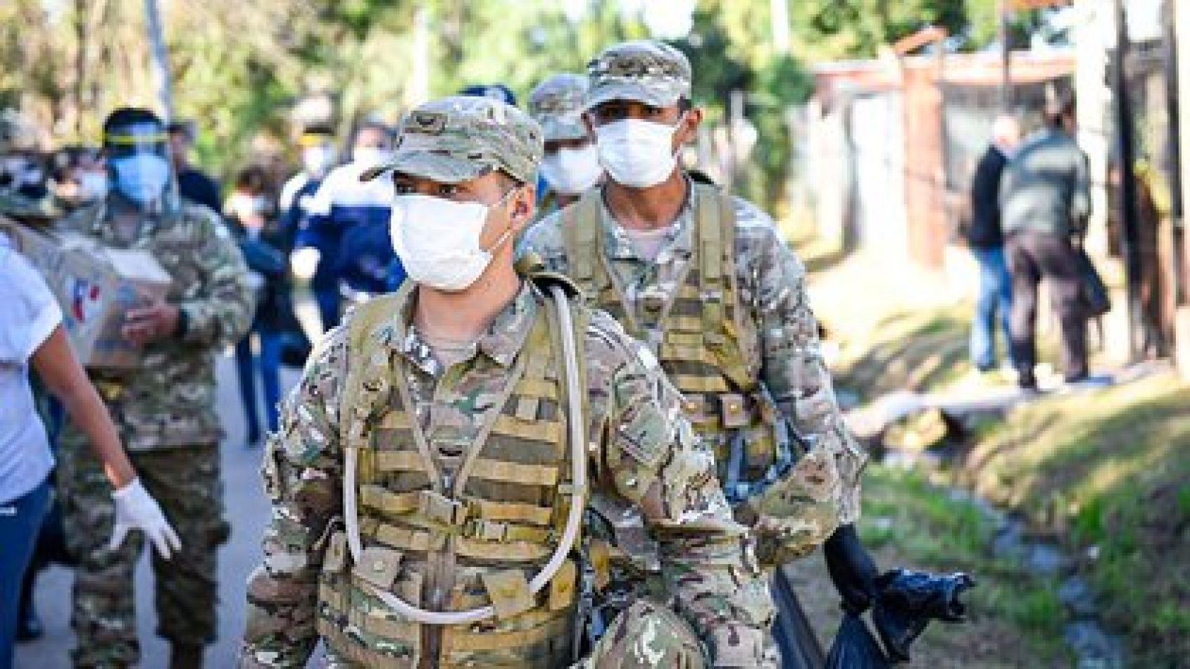 Tras la decisión de Alberto Fernández, militares se suman a los controles sanitarios