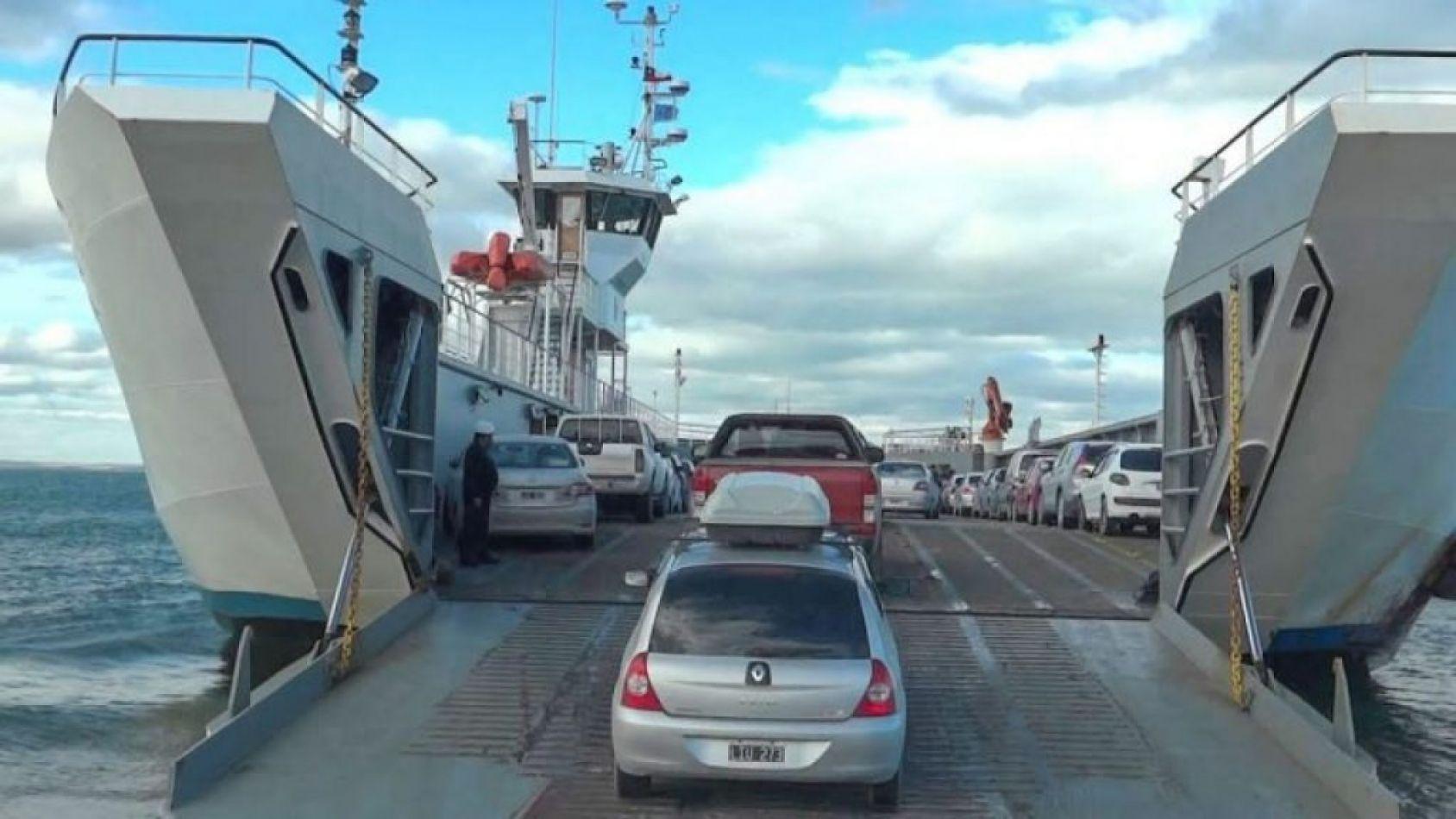 Servicio de Barcaza suspendido por fuertes vientos