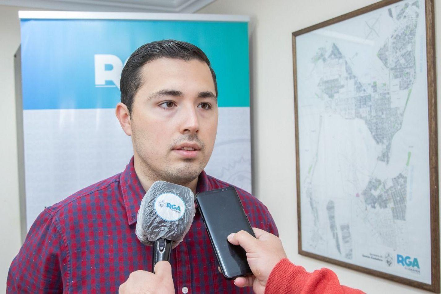 Gonzalo Ferro adelantó que se vacunará al personal esencial que trabaja en el Municipio de Río Grande.