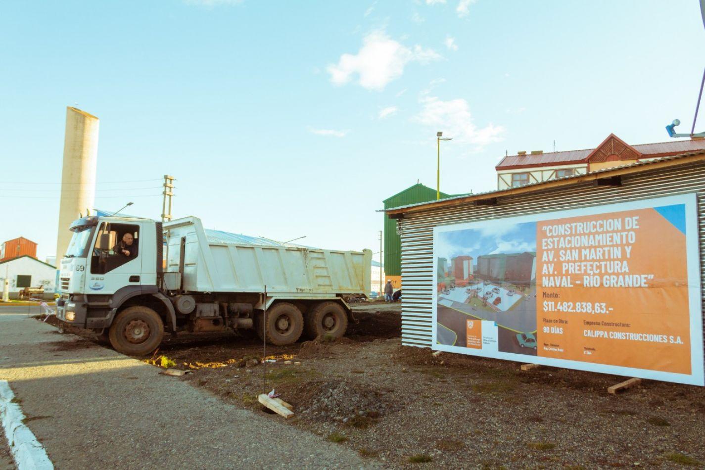 Obras Públicas inició la construcción de un estacionamiento en el B° Chacra II