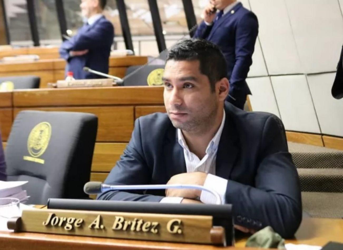El diputado paraguayo, Jorge Brítez González manifestó una insólita idea acerca de los robos.