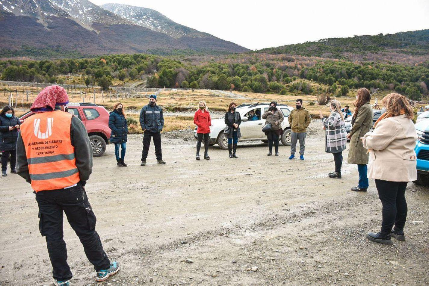 Municipio de Ushuaia entregó certificados de amojonamiento a sus adjudicatarios