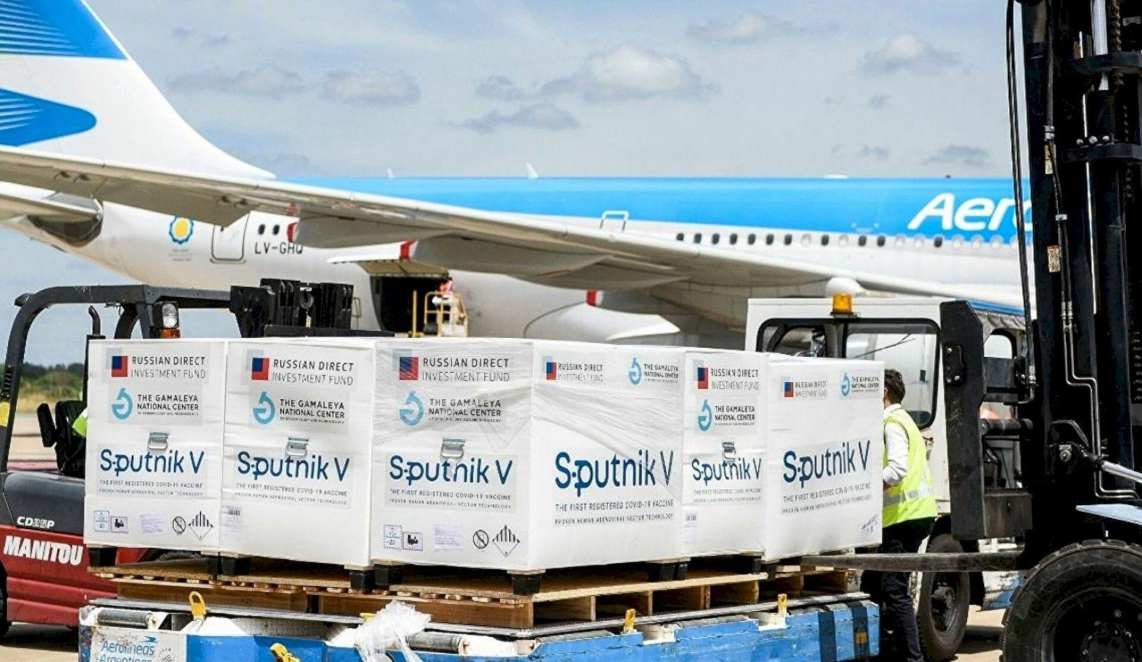 Llegó el avión argentino con el principio activo de la Sputnik V