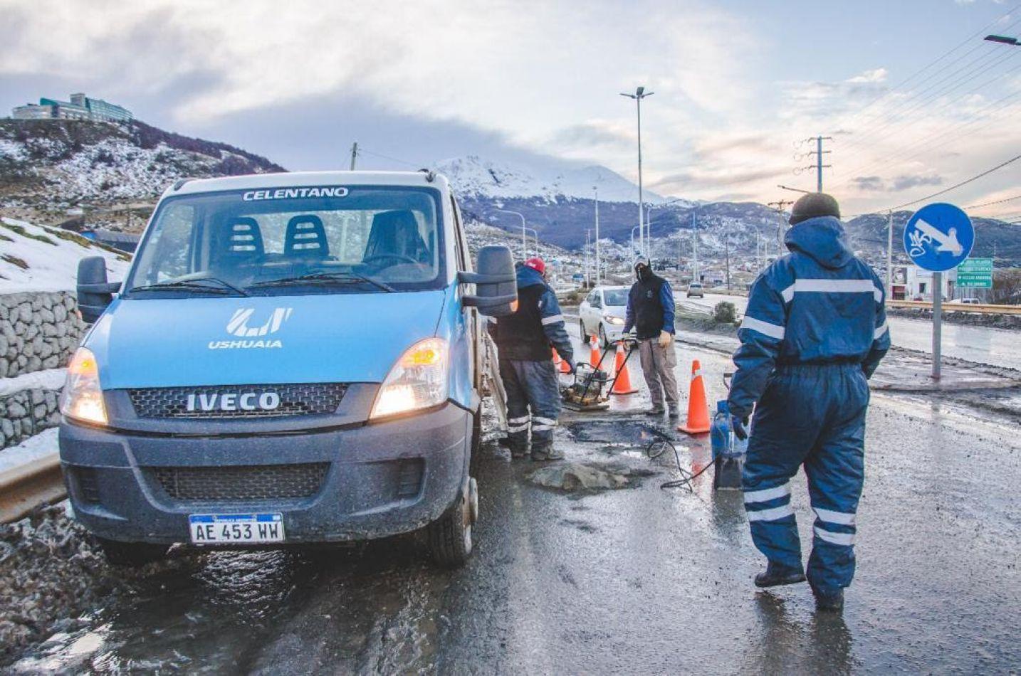 Cuadrillas municipales hicieron reparaciones en la rotonda de Andorra