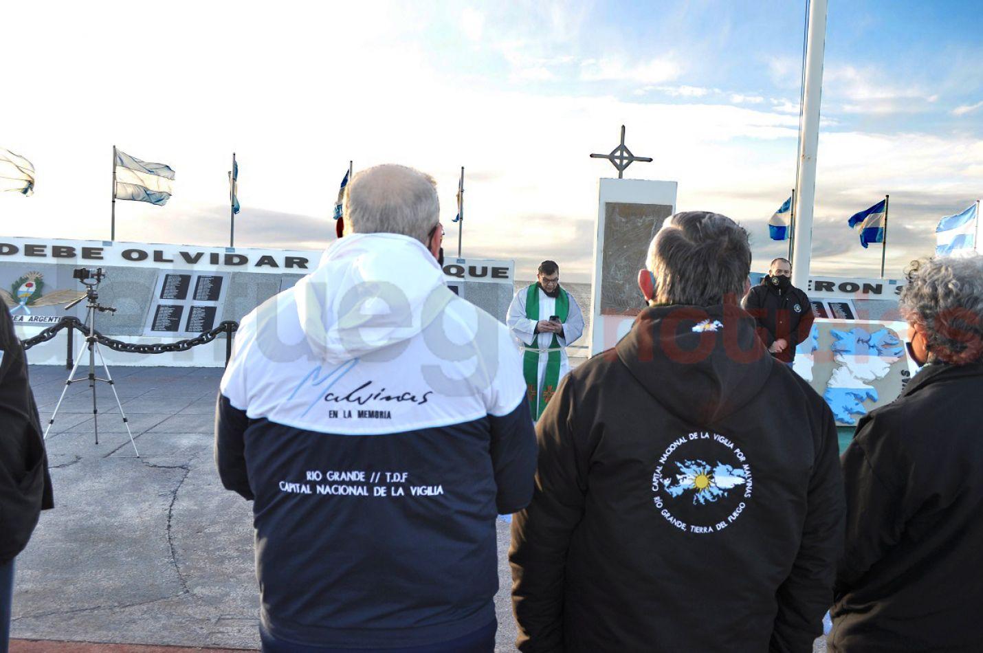 Por primera vez se homenajeó a los caídos en Malvinas con una Misa de Campaña.