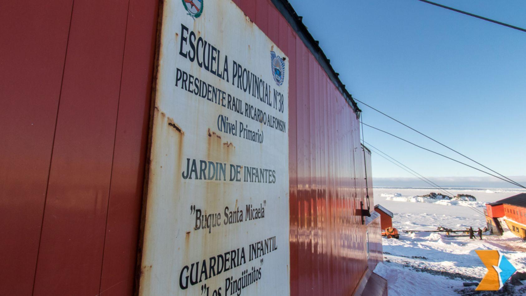 """Sciurano resaltó el """"espíritu y compromiso"""" de los antárticos"""