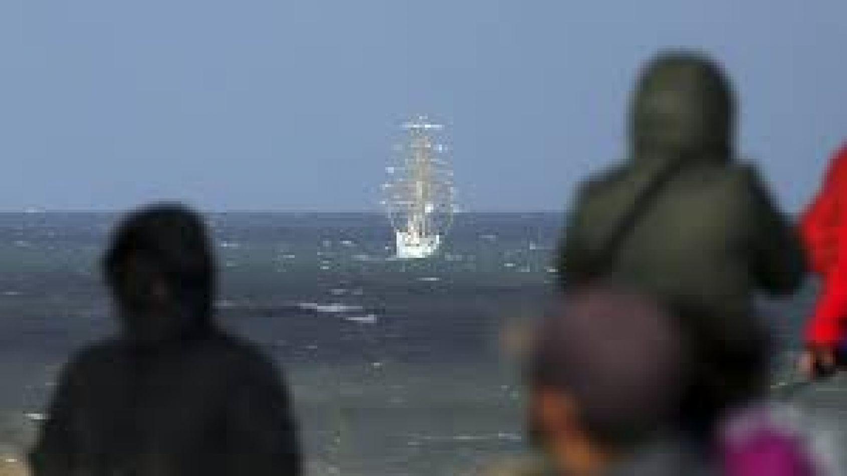 La Fragata Libertad homenajeó a los caídos en Malvinas