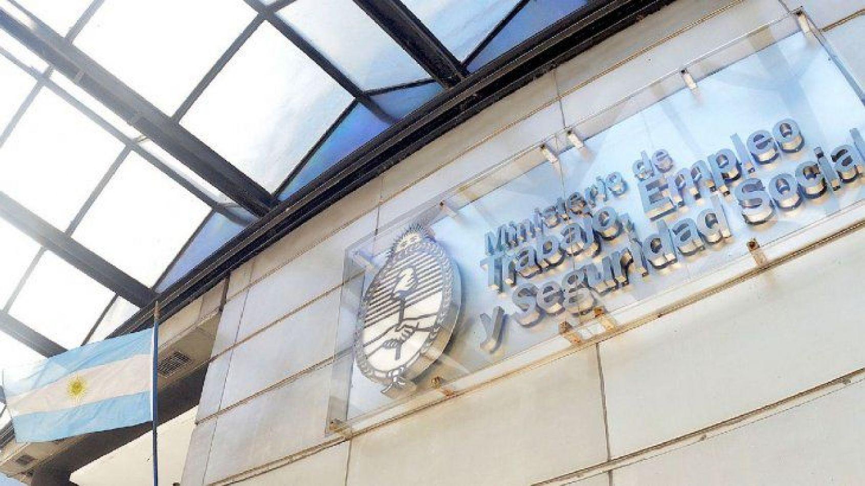 Gobierno convocó al Consejo del Salario para el 30 de septiembre