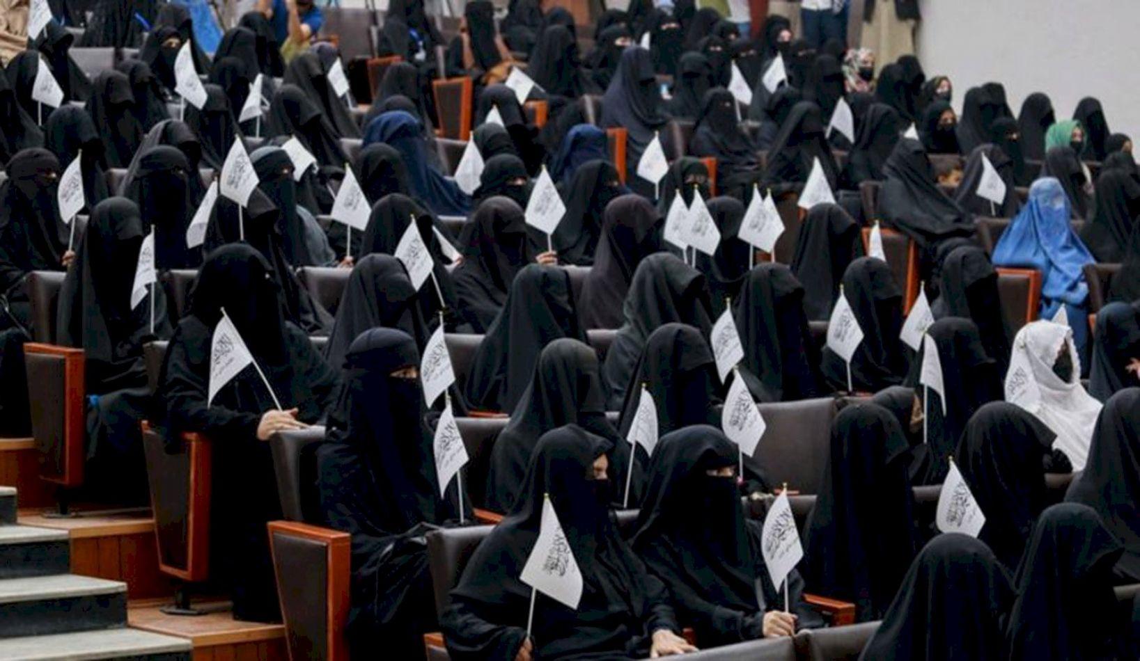 Los talibanes anunciaron nuevas reglas para las mujeres estudiantes