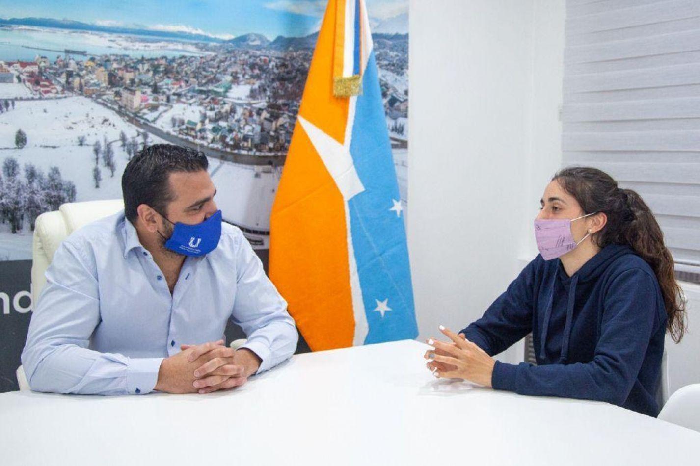 Walter Vuoto se reunió con Renata Godoy que viajará al Sudamericano Sub-18