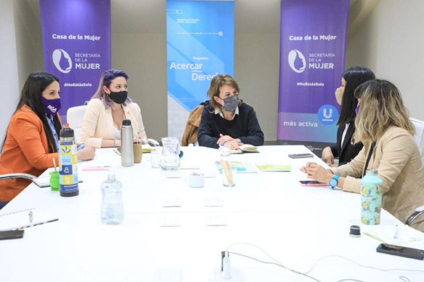 Funcionarias de la Secretaría de la Mujer, Género y Diversidad del Municipio de Río Grande se reunieron con autoridades del Ministerio de Nación.