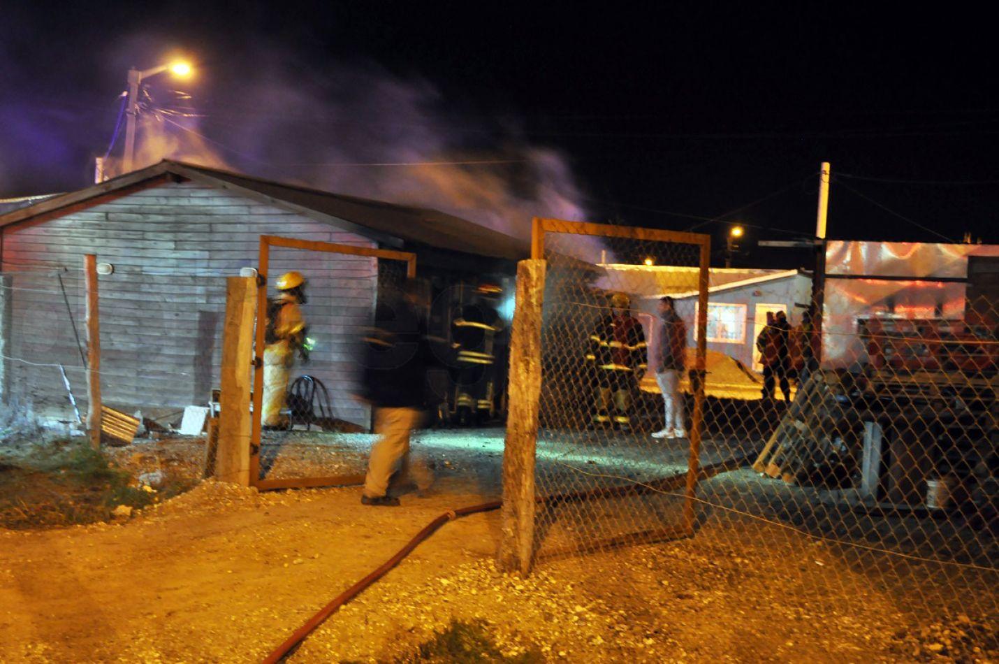 Incendio en una casa de Chacra XI