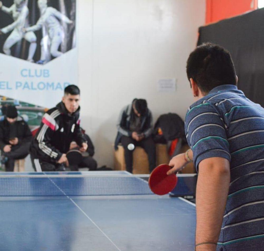 El CEPLA ofrece un taller de tenis de mesa para jóvenes