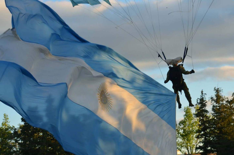 Es el Día del Paracaidista Militar Argentino