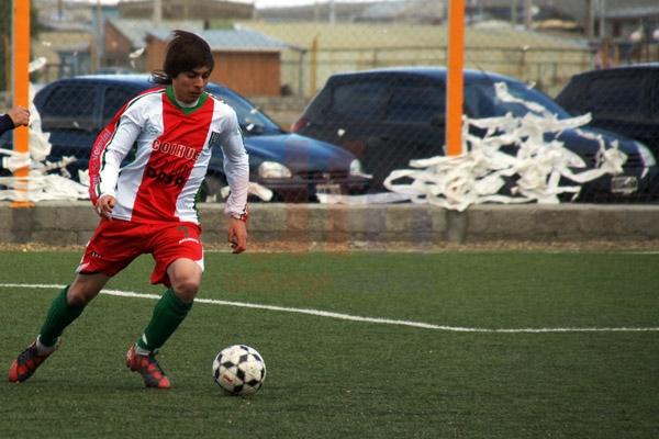 Club Camioneros ganó y se metió entre los punteros del torneo.