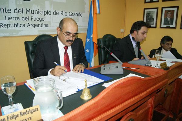 Juan Felipe Rodríguez, durante la cuarta sesión ordinara del Concejo Deliberante de Río Grande.