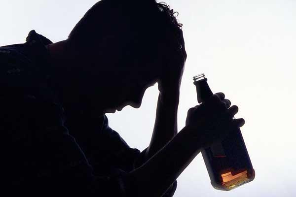 La dependencia al alcohol, un tema a debatir.