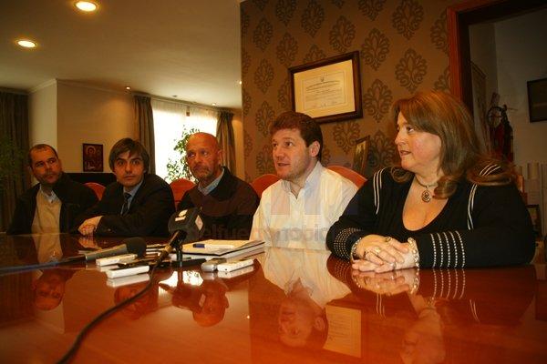 Gustavo Melella hizo el anuncio junto a su gabinete.