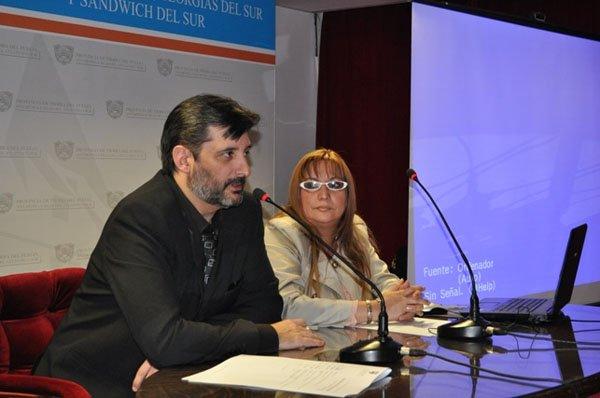 Horacio Artieda y Diana Velazco, a cargo de la disertación.