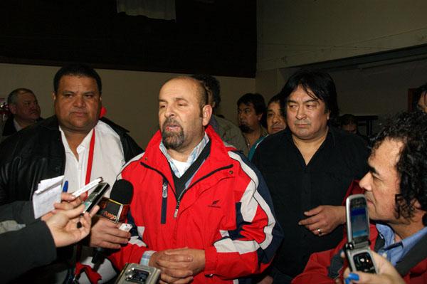 Marcelo Córdoba habla con los medios tras conocerse la victoria de la Lista Azul.