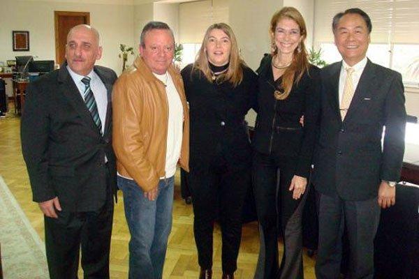 Bertone y Giorgi junto a los empresarios que buscan radicarse en Tierra del Fuego.